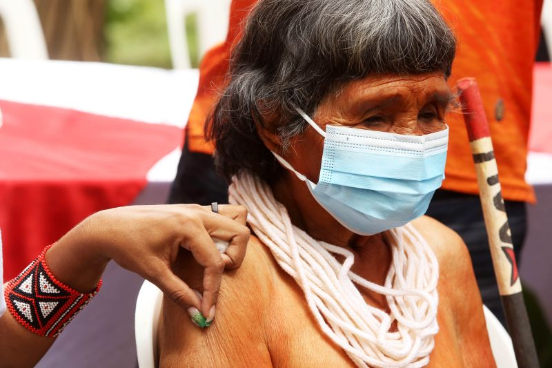 Vaccination of Indigenous People begins in the Brazilian Amazon